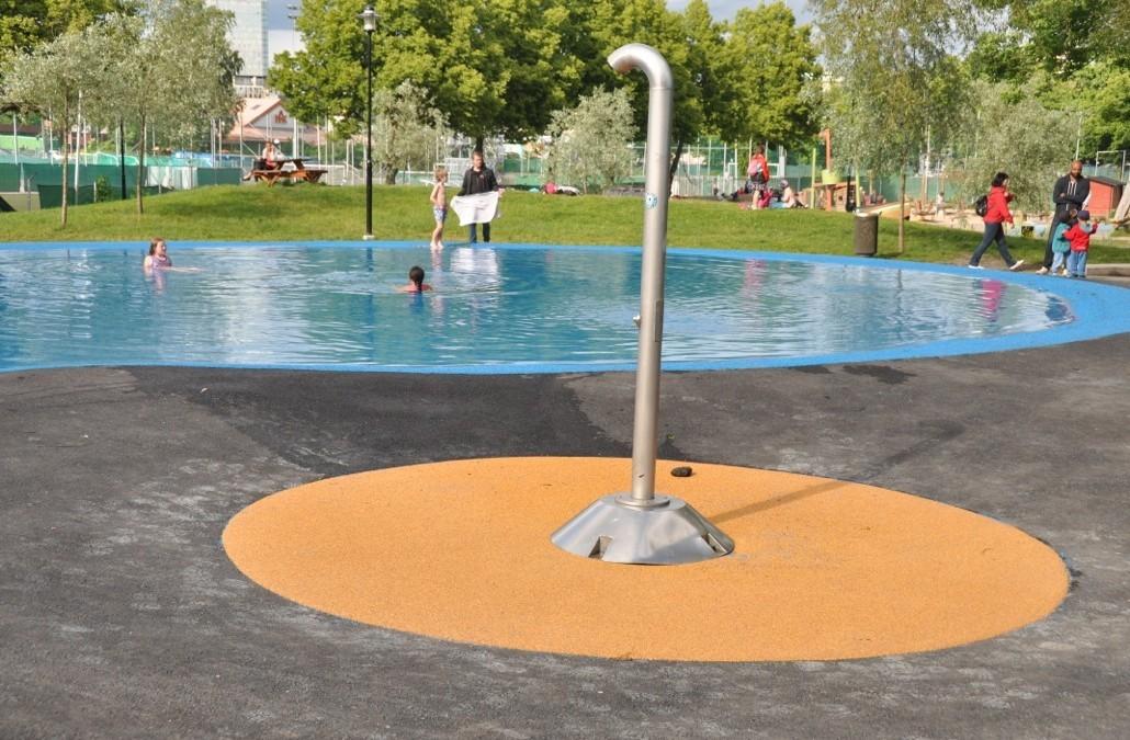 Sureplay Splash! Ett revolutionerende halkfritt underlag till pooler
